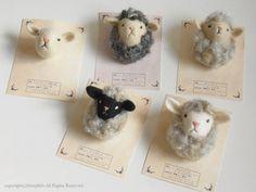 ひつじブローチ - by ヒツジフエルト縮絨室 ヒロタリョウコ[Sheep Brooch by Felt Fulling Labo-Ryoko Hirota]