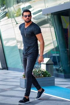 Mens clothing styles - 37 Best Mens Fashion Styles Men Looks Cool – Mens clothing styles Gentleman Mode, Gentleman Style, Looks Cool, Men Looks, Trendy Mens Fashion, Casual Fashion Style, Style Men, Business Casual Dresses, Outfit Jeans