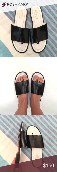 Tod's Black Leather Slipper Sandals 8.5 EUC Very cute and comfortable! MADE IN ITALY! High-end Tod's quality you can depend on. I am always open to reasonable offers. 😊 I have over 1000 sales and SO MANY love notes! Check them out. 💕 Tod's Shoes Sandals