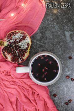Winter punch with pomegranate and cider | Fruchtiger Winterpunsch mit Granatapfel und Cidre #fraeuleinzebra