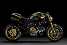 Ducati Monster 698 EVO black & gold