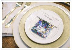 confetti place cards - what a fun idea