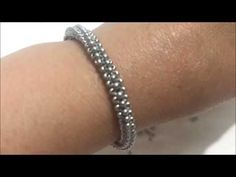 Dear jewelry lovers, I will share with you today the jewelry model Spiral Bracelet Making. Beaded Bracelets Tutorial, Necklace Tutorial, Seed Bead Bracelets, Seed Bead Jewelry, Crystal Bracelets, Crystal Necklace, Diy Jewelry, Jewelry Ideas, Tutorial Colar