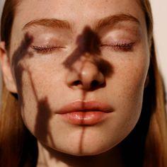 an Ecuadorian Fern Support Skin Health?Can an Ecuadorian Fern Support Skin Health? Beauty Photography, Portrait Photography, Skin Secrets, Skin Tips, Beauty Shoot, Beauty Tips, Foto Pose, Face Skin, Freckles
