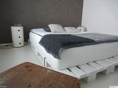 väriseinä,block,makuuhuone,Tee itse - DIY,kuormalavat,kuormalava,makuuhuoneen sisustus,kuormalavasänky,design,componibili