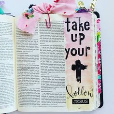 Die daily----take up your cross and follow Jesus----find life✝️#illustratedfaith #biblejournaling #journalingbible #thegreetingfarm #faithstamps #lettering #letteringhislove #letterforthelord #jesus #life #christian #daughteroftheking #childofgod #free #Regram via @elli.s_heart)
