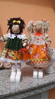 Bonecas de madeira. By Rosangela Trujillo.