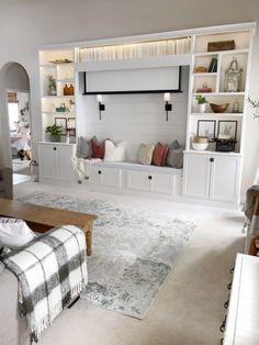 Home Living Room, Living Room Decor, Living Spaces, Built In Shelves Living Room, Bedroom Built Ins, Build In Shelves, Bookshelves Built In, Wall Cabinets Living Room, Diy Built In Shelves