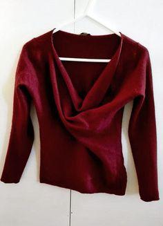 Kup mój przedmiot na #vintedpl http://www.vinted.pl/damska-odziez/swetry-z-dekoltem/16273378-bordowy-burgundowy-sweterek-welniany-kaszmirowy-sweter-xs-s