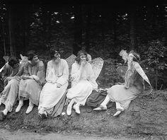 No angels. 1922