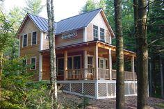 Farmhouse Style House Plan - 3 Beds 1.5 Baths 1372 Sq/Ft Plan #500-3 Exterior - Front Elevation - Houseplans.com