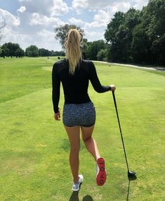 Golf trick, tips and training Girls Golf, Ladies Golf, Golf Images, Sexy Golf, Golf Mk2, Female Athletes, Female Golfers, Women Athletes, Love Fitness