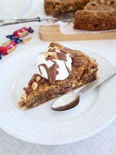 American Cookie Cake | erikasfikastund American Cookie, Fika, Starbucks, Nom Nom, French Toast, Recipies, Food And Drink, Cookies, Breakfast
