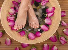 Как ванны для ног лечат высокий уровень креатинина? http://kidney-cure.org/kidney-creatinine/317.html Ванны для ног--это прадиционная китайская терапия,в процессе которого исбользуются разные китайские травы,что эффективно лечит разные бользни почек и почти не имеют побочные эффекты.И поэтлму все более и более пациентов с болезнью почек принимают ванны для ног,чтобы улучшить функции почек.