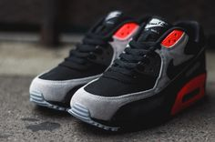 Nike Air Max 90 Leather – Black / Black – Medium Ash – Total Crimson