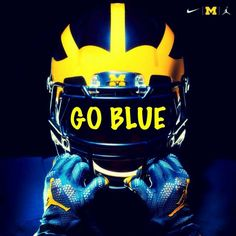 GO BLUE! * Love the Go Blue sign on the helmet great design* Michigan Wolverines Football, U Of M Football, Football University, College Football Teams, University Of Michigan, Football Helmets, Collage Football, Football Tattoo, College Football