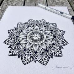 Mandala Doodle, Zen Doodle, Mandala Tattoo, Doodle Art, Mandala Artwork, Mandalas Painting, Mandalas Drawing, Doodle Patterns, Zentangle Patterns