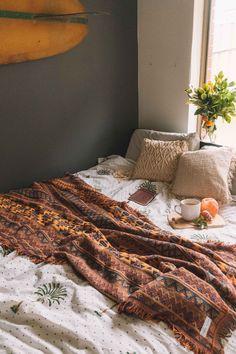 Neutral Room Models for Children - Home Fashion Trend Bedroom Design Inspiration, Bedroom Inspo, Room Inspiration, Fall Bedroom Decor, Home Decor, Earth Tone Bedroom, Inside A House, Caravan Decor, Hippy Room