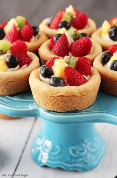 Fruit cheesecake sugar cookie cups // Life, Love and Sugar - perfectly presentable for a party!
