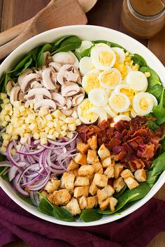 Spinach Salad with Warm Bacon Dressing - delicious salad! Spinach bacon eggs mushrooms swiss red onion and croutons. Love the bacon dressing! New Recipes, Dinner Recipes, Cooking Recipes, Healthy Recipes, Locarb Recipes, Easter Recipes, Cooking Tips, Healthy Salads, Healthy Eating