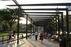 Designed by landscape architect Gustafson Guthrie Nichol (GGN) with CSS Boston.Photo by GGN.