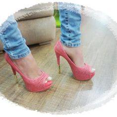 Olha a foto que a Wellen nos mandou! Este sapato é um escândalo de tão lindo, não acham? Quem gostou? ♥