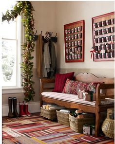 Love this Entryway! The long bench & the baskets underneath it for storage are great. The website is in another language, but there are translation buttons at the top. The website has a live feed of visitors to the page, showing your location.