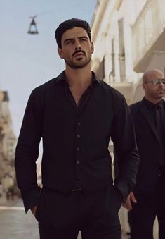 Hottest Guy Ever, Just Beautiful Men, 365days, Outfits Casual, Italian Men, Fine Boys, Attractive Guys, Black Suits, Hot Boys