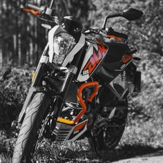 "Gefällt 37 Mal, 6 Kommentare - @timkloe auf Instagram: ""Black Orange abd White KTM Duke #ktm #duke #125ccm #black #white #orange #motorcycle #motorrad"""