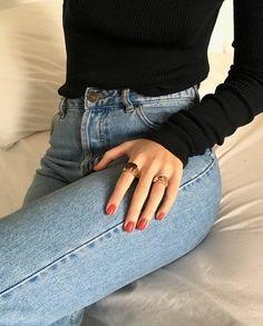 Aprende a usar tus anillos según edad forma de la mano y ocasión