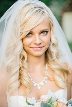 hair down wedding hairstyle with veil