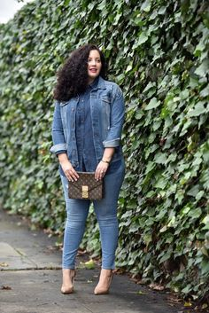 Talbot chambray top and Nanette Lepore denim jacket Denim Fashion, Curvy Fashion, Plus Size Fashion, Fashion Outfits, Curvy Outfits, Plus Size Outfits, Casual Outfits, Winter Outfits, Moda Xl
