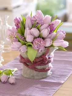 tulipán csokor Gizella névnapra