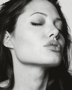 Angelina Jolie byRobert Erdmann, 2003