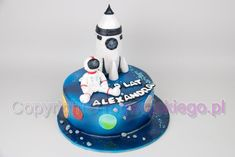 "Képtalálat a következőre: ""nasa cake"" Birthday Cake For Brother, Harry Birthday, Boy Birthday Parties, Rocket Ship Cakes, Rocket Cake, Rocket Wallpaper, Solar System Cake, Nasa Party, Science Cake"