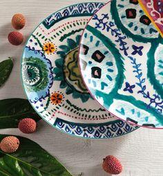 I colori e le atmosfere dell'estate carioca sulla tua tavola! D 20, Estate, Plates, Tableware, Licence Plates, Dishes, Dinnerware, Griddles