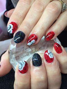 Cnd shellac nail art lecente glitter & handpainted onestroke design