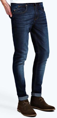 Dark Washed Indigo Stretch Skinny Fit Jeans from Boohoo on discounted price. Jeans Denim, Jeans Pants, Mens Fitted Jeans, Dark Wash Jeans Mens, Tapered Jeans Men, Men Shorts, Dark Blue Jeans, Ripped Jeans, Blue Denim