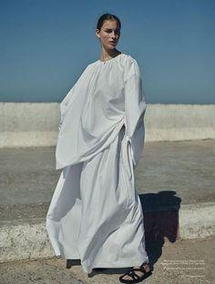 Julia-Bergshoeff-Vogue-Netherlands-Annemarieke-Van-Drimmelen- (11).jpg