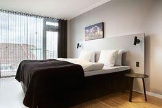 Edle Wandlampen Für Einen Modernen Schlafzimmer Look. #Bett #Einrichtung  #ideen #