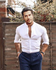 Fashion Week Hommes, Mens Fashion Week, Men's Fashion, Mens Shirts Online, Turkish Men, Gentlemen Prefer Blondes, Mens Style Guide, Zara Man, Slim Man