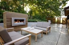 Creative Outdoor Fireplace Designs and Ideas Modern Outdoor Fireplace, Outdoor Fireplace Designs, Backyard Fireplace, Backyard Patio, Outdoor Rooms, Outdoor Living, Outdoor Furniture Sets, Outdoor Decor, Villefranche Sur Mer