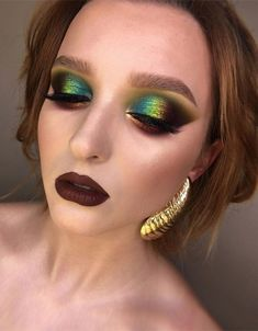 Teal Makeup, Eye Makeup Art, Smokey Eye Makeup, Makeup Inspo, Makeup Inspiration, Makeup Style, Beauty Style, Face Makeup, Beautiful Eye Makeup