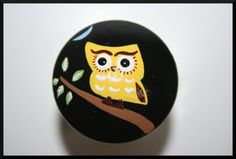 Hey, I found this really awesome Etsy listing at https://www.etsy.com/listing/99530186/black-and-yellow-owl-wine-or-bottle