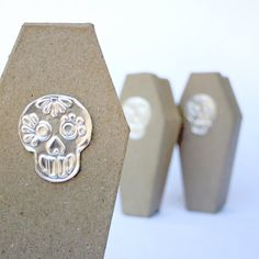 Etsy :: Your place to buy and sell all things handmade Paper Mache Boxes, Skull Wedding, Skull Design, Sugar Skull, Coffin, Party Themes, Tin, Favors, Gift Wrapping