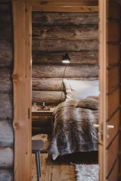 Paishill Private Lodge is an all-inclusive luxury lodge for six in stunning nature in Finnish Lapland. Skyrim House, Timber Cabin, Beautifully Broken, Cabin Interiors, Rustic Elegance, Cabins In The Woods, Log Homes, Decoration, Ladder Decor