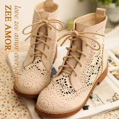 Taobao  2012 Korea Korean purchasing genuine women's shoes casual shoes high-top shoes influx of new lace hollow small boots  china english wholesale