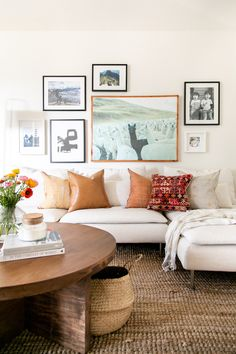 Rustic Meets Glam In This Interior Designer's Dwelling Boho Room, Boho Living Room, Living Room Colors, Living Room Decor, Living Rooms, Patterned Furniture, White Furniture, Cheap Furniture, Discount Furniture