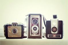 love the look of vintage camera!! They always tell a story...
