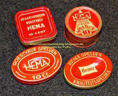 Hema spelden blikjes Work Tools, Vintage Tins, Needlework, Couture, Red, Objects, Nostalgia, Craft Work, Sewing